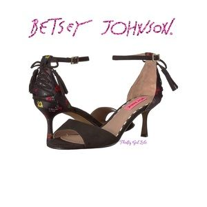 Betsey Johnson RESSY Black Multicolored Heel